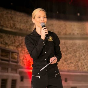 Moderator Ilka Groenewold beim Naskor Sports Award auf der FIBO Messe in Köln