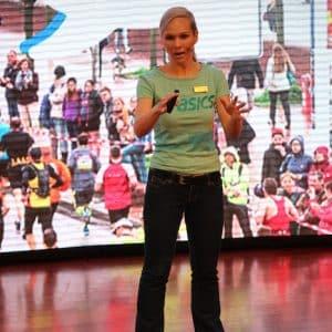 Keynote Speakerin Ilka Groenewold auf AIDAaura
