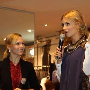 Talkmoderatorin Ilka Groenewold im Gespräch mit Topmodel Lena Gerke