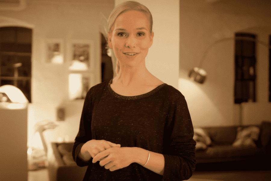 TV-Moderatorin Ilka Groenewold produziert Commercial Videos für TCHIBO in Hamburg