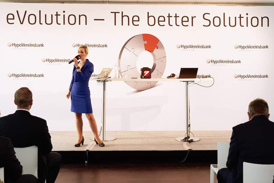 Moderatorin Ilka Groenewold bei der UniCredit Digitalisierungs-Veranstaltung in Hamburg