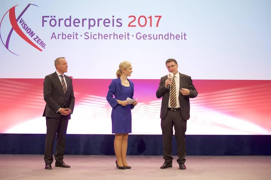 Gala 90 Jahre FKS IT-Event mit Geschäftsführer Christian Schröder und Moderatorin Ilka Groenewold in Hamburg