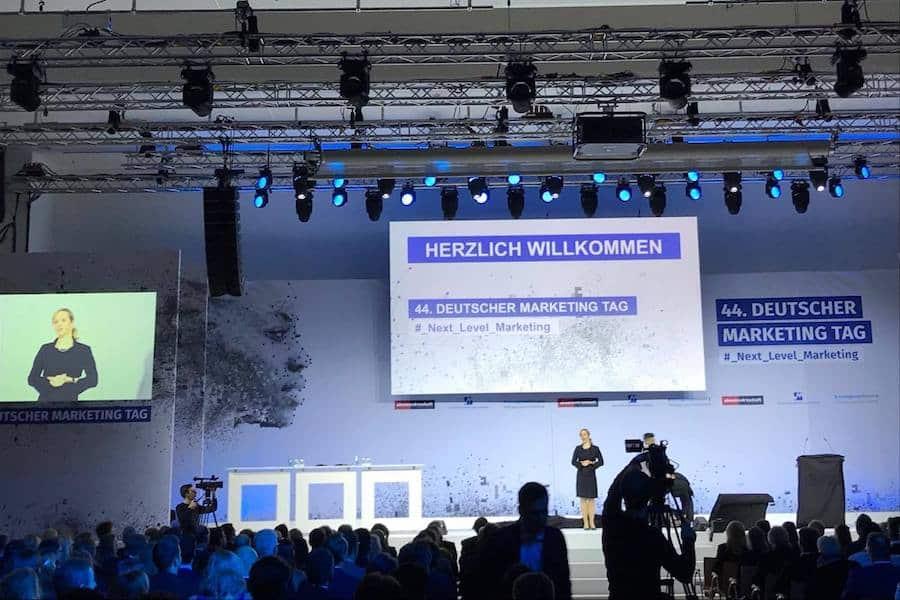 Frankfurt Moderation mit Ilka Groenewold