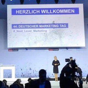 Frankfurter Moderatorin beim Marketing Tag