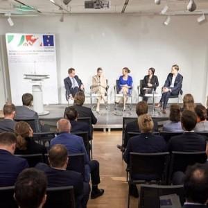 Moderatorin Ilka Groenewold für NRW.Bank und Ministerium der Finanzen des Landes Nordrhein-Westfalen